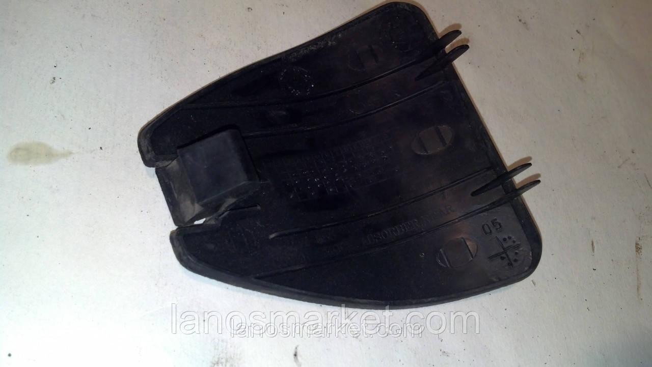 Крышка заднего амортизатора в багажнике Ланос б/у