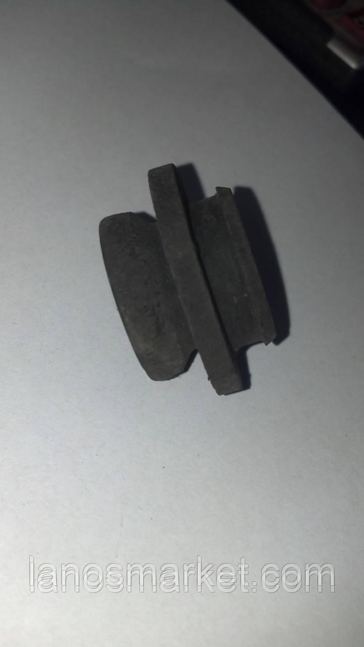 Подушка радиатора верхняя Ланос, Авео, Нубира б/у