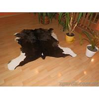 Мягкий коврик  из кожи теленка темного окраса