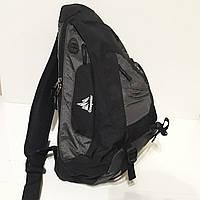 Спортивный эрго рюкзак на одно плечо 20 л Onepolar W1249 серо-черный