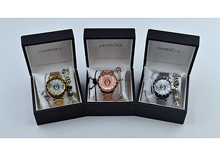 Наручные часы Pandora c 2я браслетами, шармами. В подарочной упаковке