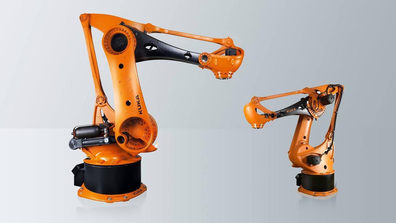 Важкий робот KUKA KR 700 PA