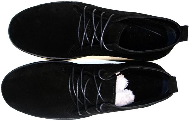 Мужские черные ботинки 1479-1B шьют из натуральной замши. Подкладка и стелька из шерсти.