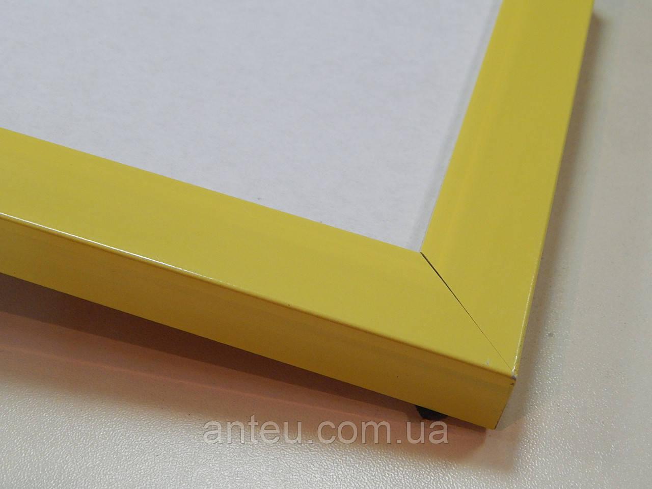 Рамка А2(420х594)Антибликовое стеклоПрофиль 22 мм. Жолтый.Для фото грамот дипломов.