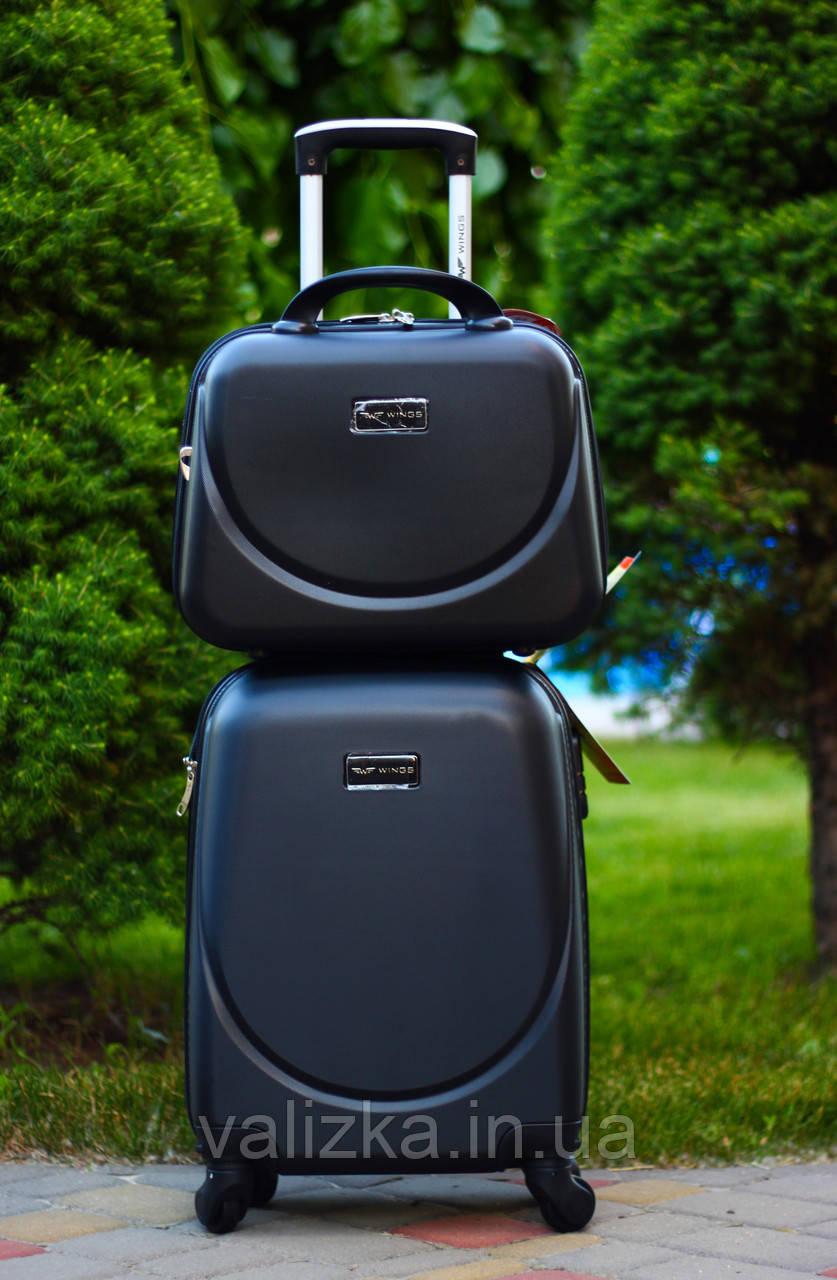 Валіза пластикова для ручної поклажки чорна S+. Пластиковый чемодан для ручной клади черный. Польша