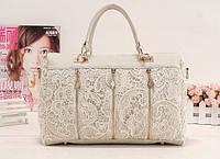 Гипюровая женская сумка белого цвета