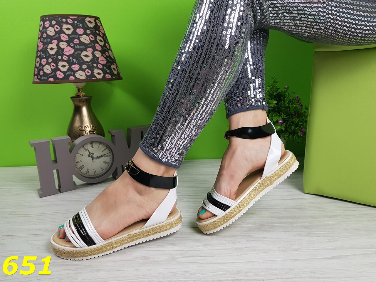 Босоножки сандалии на платформе соломенной низкий ход черно-белые