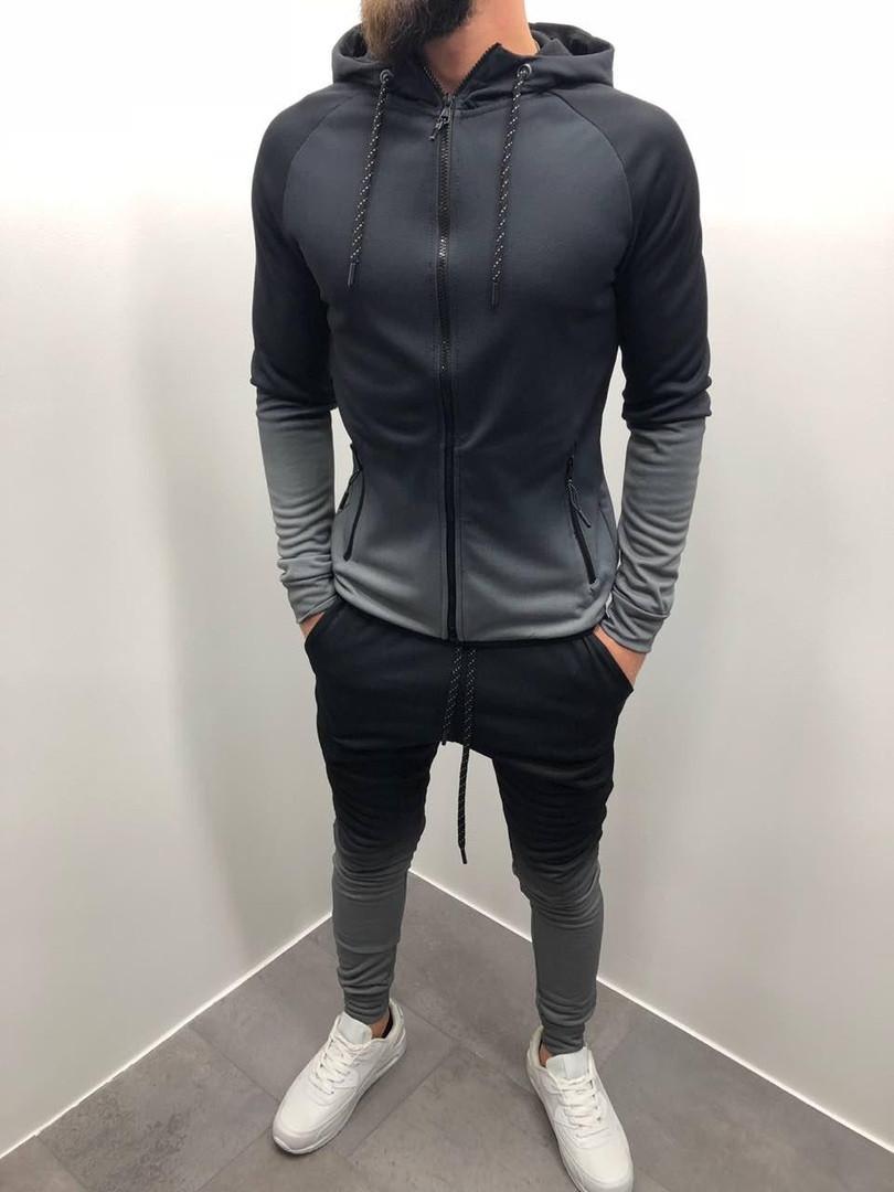 Костюм спортивный серого цвета