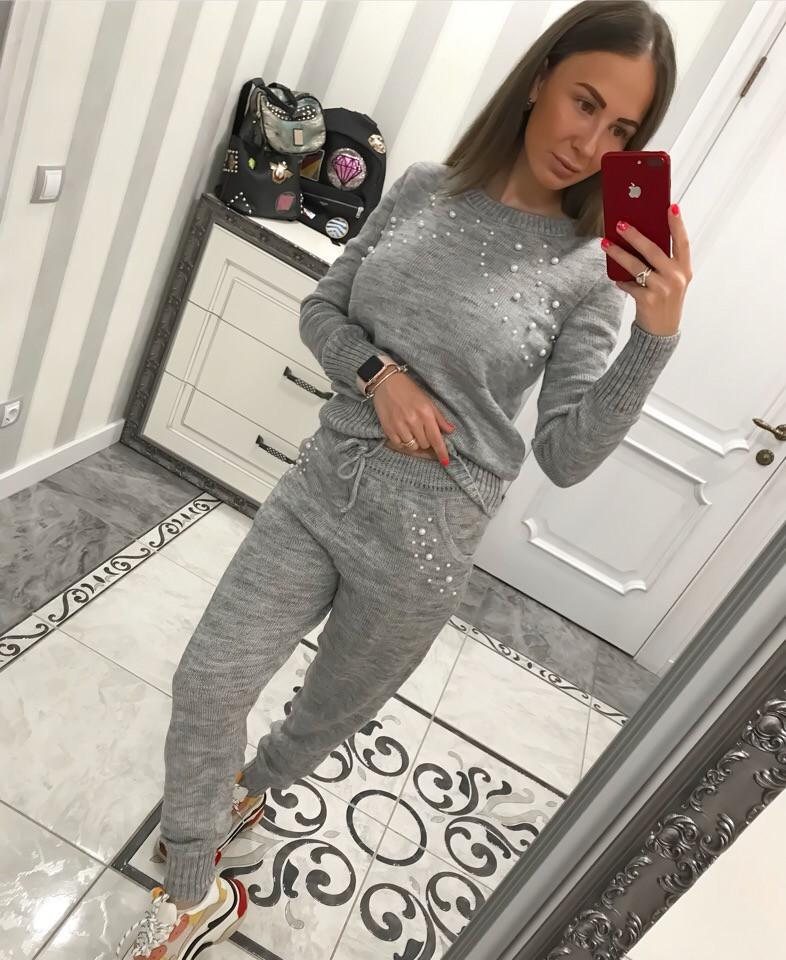 Женски серый теплый костюм
