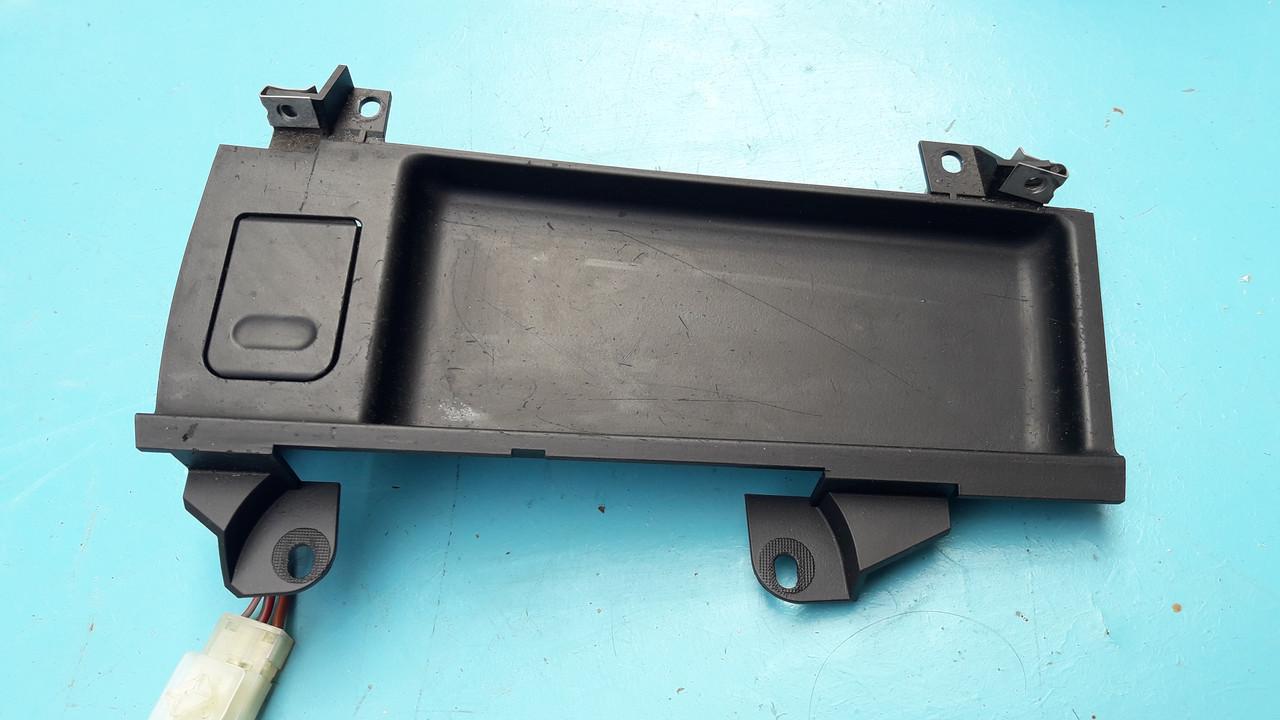 Гнездо панель прикуривателя бмв е39 BMW E39  51168159694