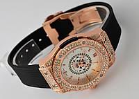 Женские часы HUBLOT - Round cristal, белый циферблат и черный ремешок