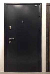 Входная дверь, металл 4 мм. на притворе