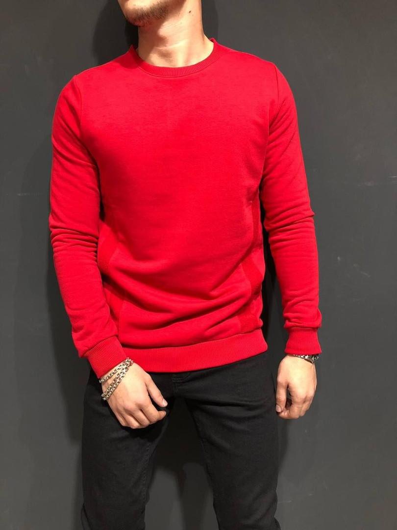 Свитшот мужской красного цвета
