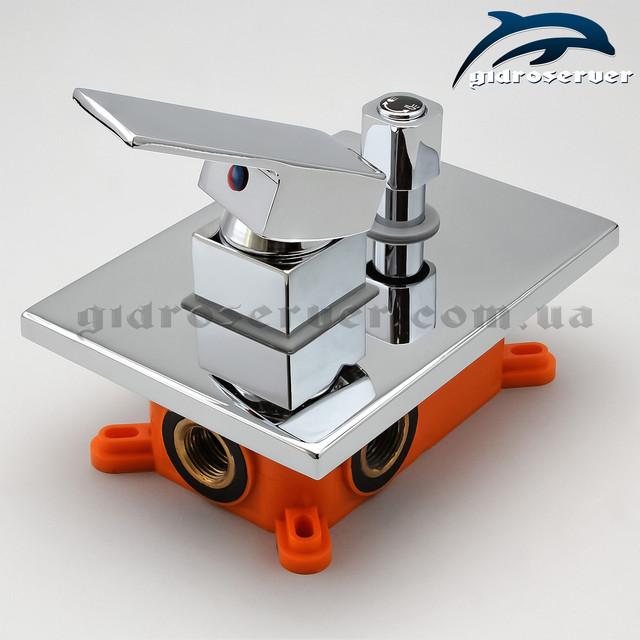 Смеситель скрытого монтажа для душевой системы KVB-02 с переключателем на 2 режима работы.