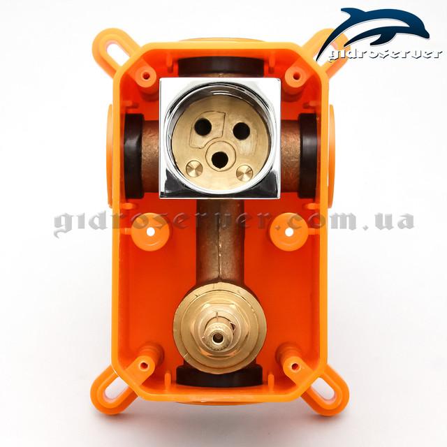 Встраиваемый смеситель для душа KVB-02 используется для комплектации душевых систем, гарнитуров, программ скрытого монтажа.