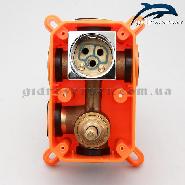 Встраиваемый смеситель для душа KVB-03 используется для комплектации душевых систем, гарнитуров, душевых программ скрытого монтажа.