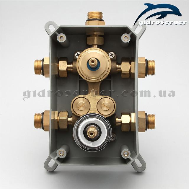 Улучшенный термостатический смеситель для душа скрытого монтажа KVTB-03 с монтажной коробкой.