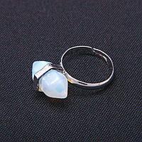 Кольцо натуральный камень Лунный шестигранник 9х19мм