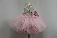 Нарядное платье с пайетками и нежно розовым фатином