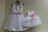 Нарядные платья на маму и доченьку в белом цвете