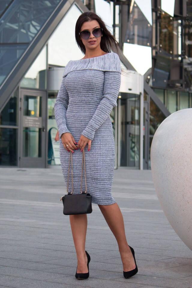 Вязанное облегающее платье с открытыми плечами / 3 цвета арт 7171-593