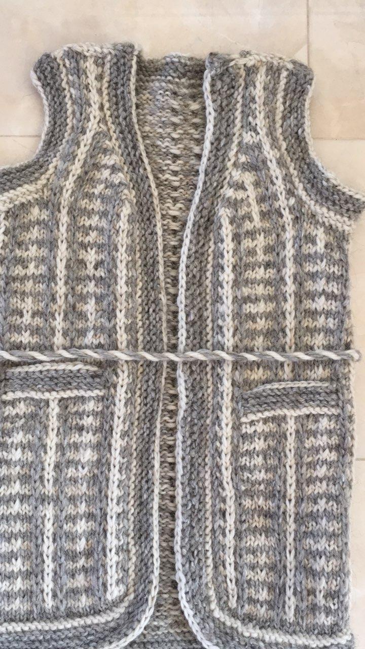 Безрукавка жіноча з вовни в язана ручної роботи  продажа a4a53e5d1c816