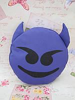 Декоративная подушка-смайлик фиолетового цвета Emoji #23 Чертик