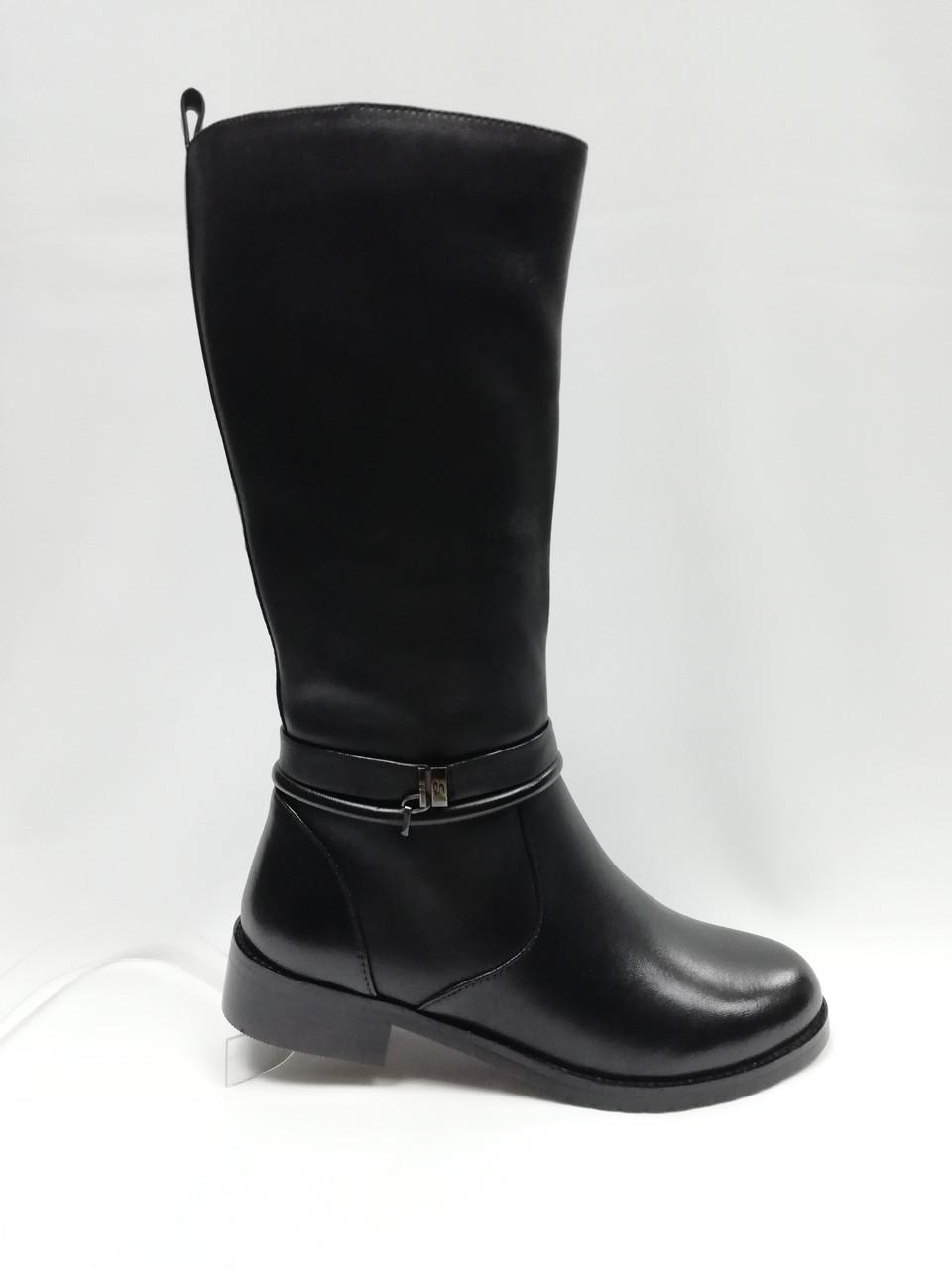 Черные кожаные зимние сапоги . Маленькие размеры (33 - 35).