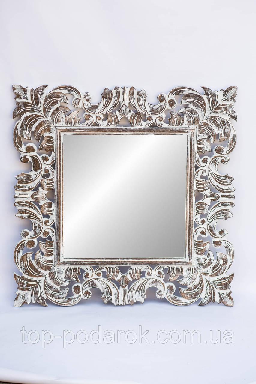Настенное зеркало в деревянной раме  размер 90*90 см