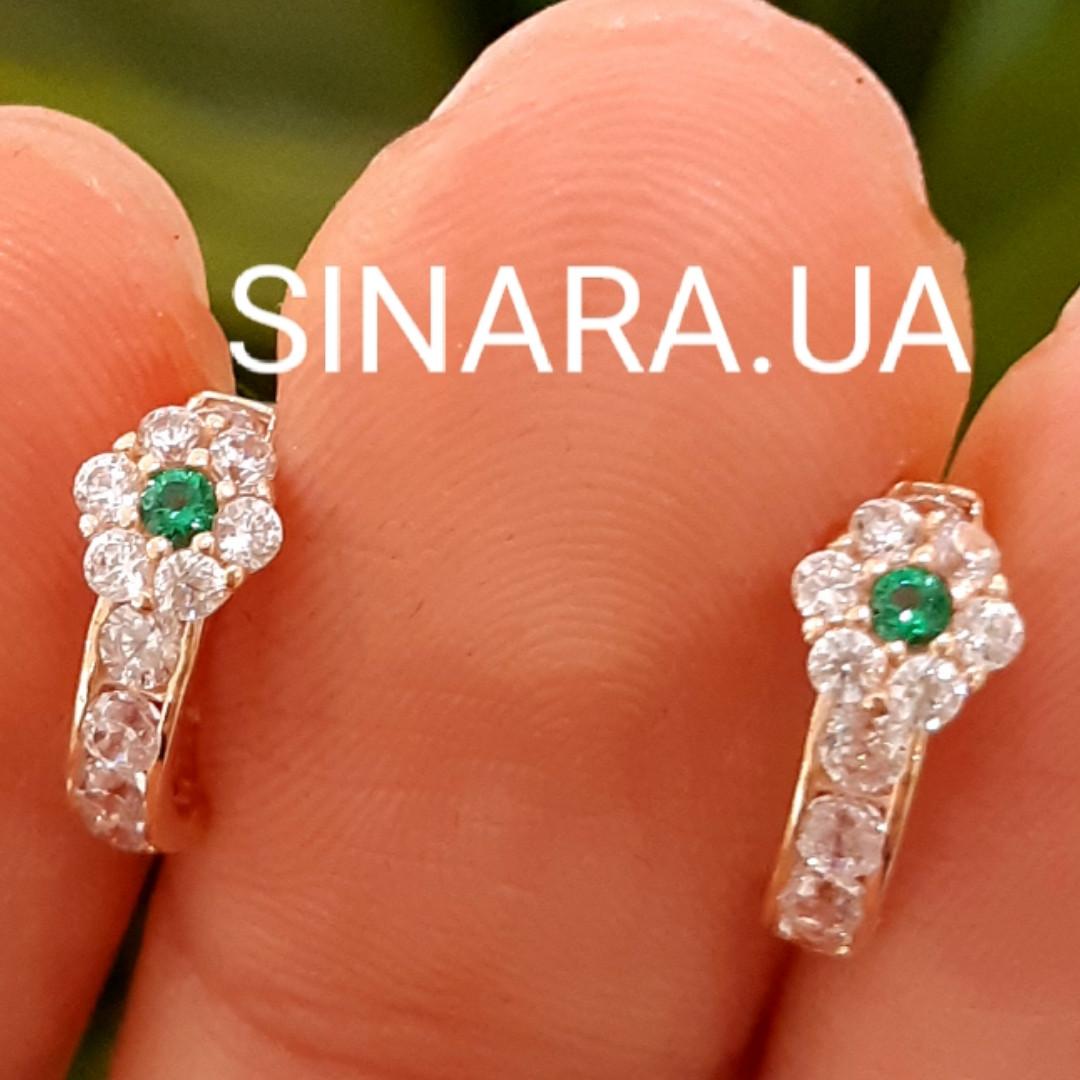 Золотые серьги для девочки с зелеными камнями