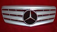 Решетка радиатора тюнинг Mercedes W211 в стиле AMG