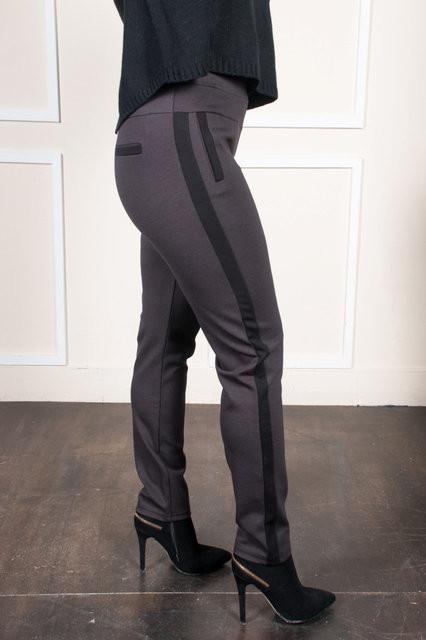 Укороченые брюки в коричневом стиле
