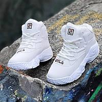 Улетные зимние белые кроссовки на платформе в стиле FILA женские, подростковые на высокой подошве (Код: 1261a)