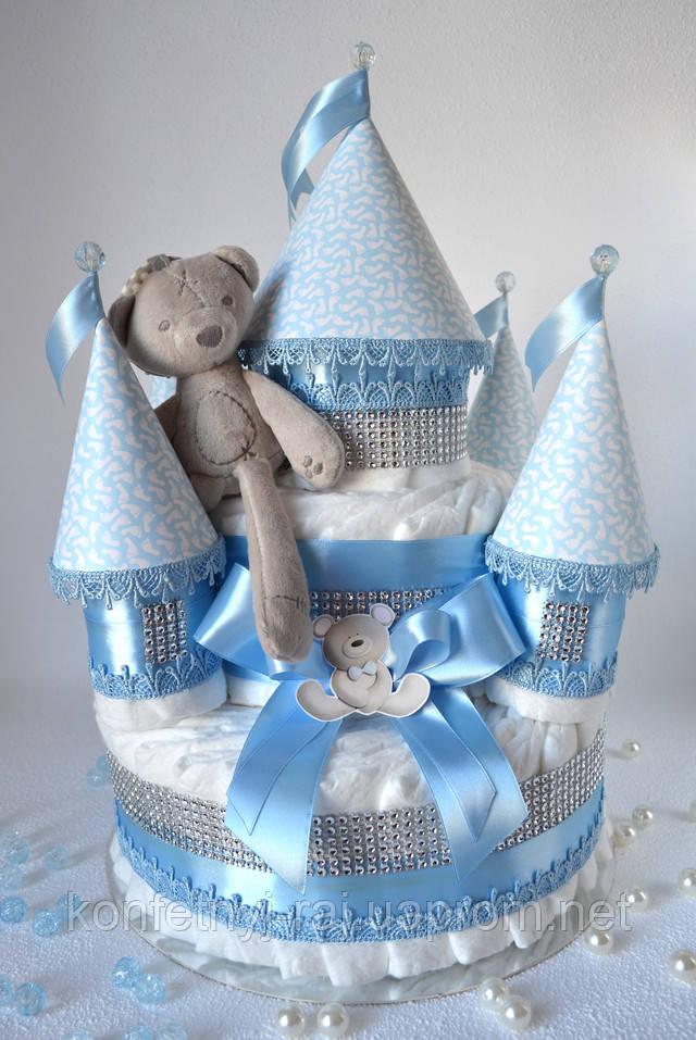 Замок из памперсов с мишкой