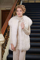 Жилет из белой полярной лисы в роспуск White polar fox fur vest