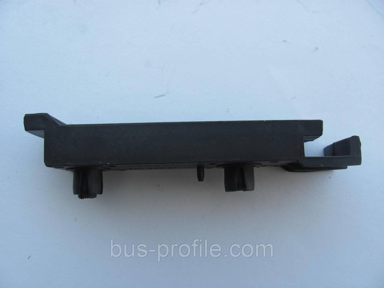 Крепление переднего бампера на Sprinter 1996-2006 — Autotechteile — ATT8801