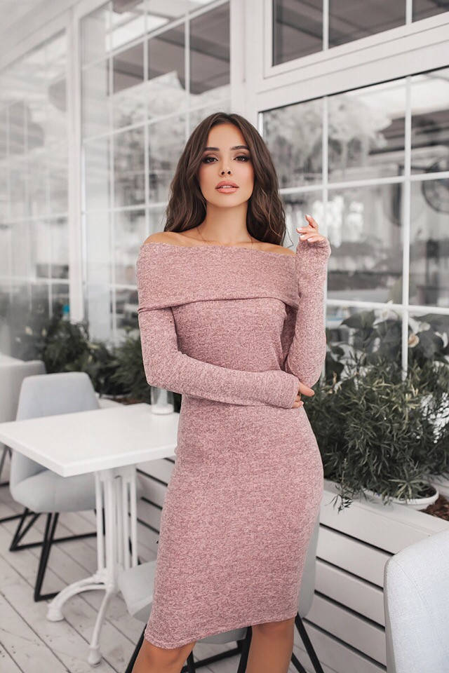 Облегающее платье хомут с открытыми плечами  / 4 цвета арт 7188-595