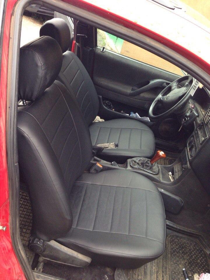Авточехлы модельные чехлы Эко-кожа Комбинированные Volkswagen Passat  B 3  Фольксваген Пассат Б 3  Оригинал