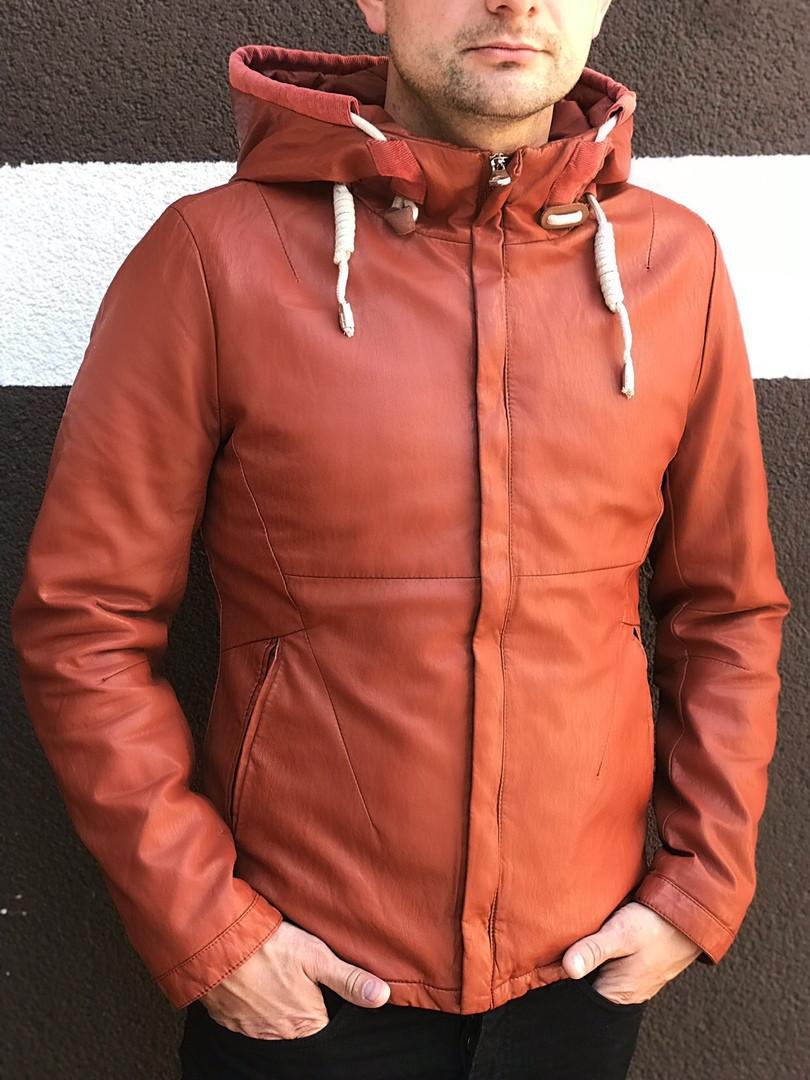 Демисезонная мужская куртка коричневого цвета