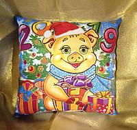 Новогодняя сувенирная подушка 2019 Свинка