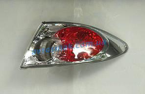 Фонарь задний для Mazda 6 хетчбек/седан '02-06 правый (DEPO) внешний, хромированный отражатель