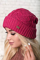 Зимняя  шапка объемной вязки, цвет малиновый