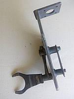 Кронштейн 75-1604210 Е