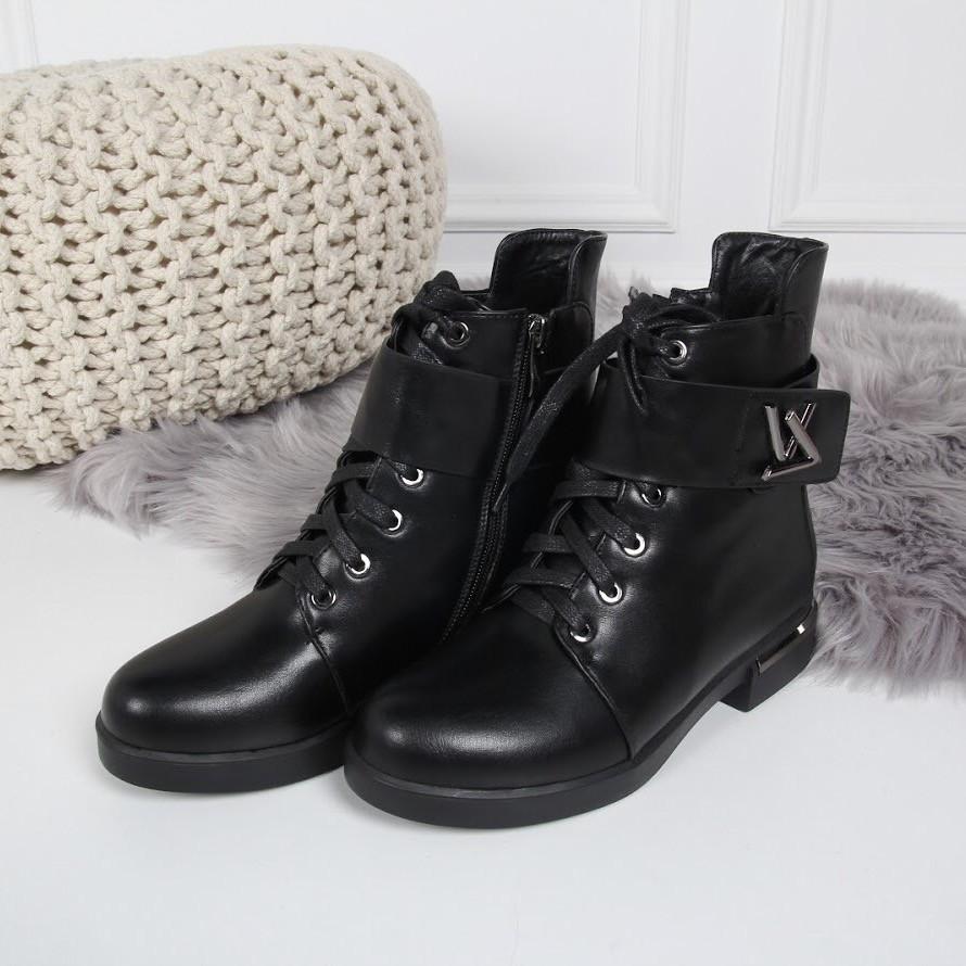 Ботинки зимние LV с широким ремешком черные. Аналог