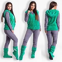 Серая женская флисовая пижамка в комплекте с мятной махровой жилеткой и  махровыми сапожками. Арт- 0b800a7220e61