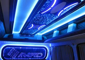 Автоэлектрика (освещение салона, звуковые системы, телевизоры автомобиля, сигнализация, холодильник)