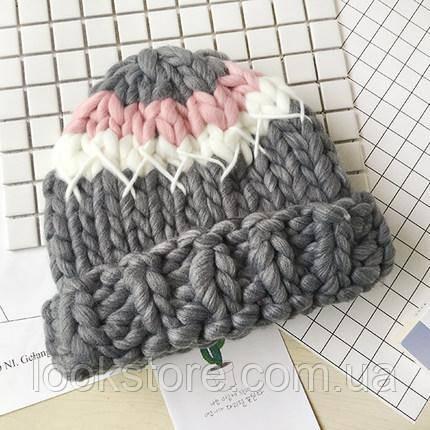 Женская шапка Хельсинки крупной вязки трехцветная серая