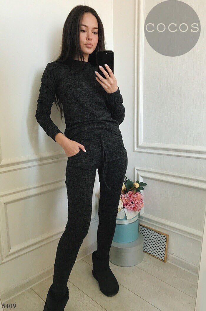 Женский костюм со штанами