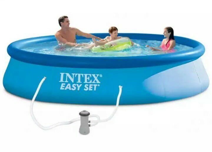 Надувной бассейн с надувным верхним кольцом фильтр-насос 366 - 84 СМ