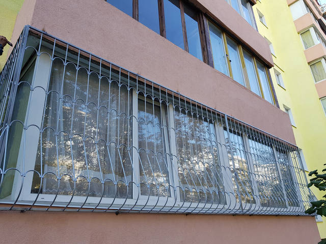 Решетки на окна выпуклые луковица -1